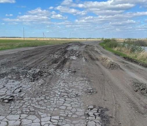 «Убитые» дороги в Марьяновском районе пытаются отремонтировать через суд #Омск #Общество #Сегодня