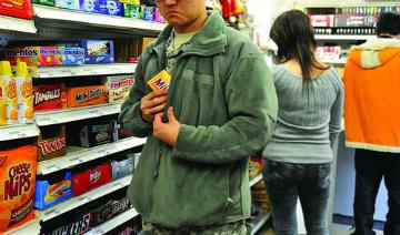 Не обеднеют: у покупателей омских супермаркетов воруют уже оплаченные продукты #Новости #Общество #Омск