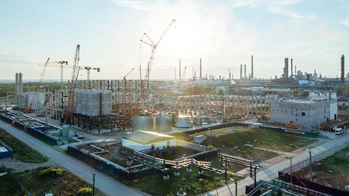 Бурков заявил, что катализаторный завод «Газпром нефти» имеет большое значение для Омской области #Омск #Общество #Сегодня