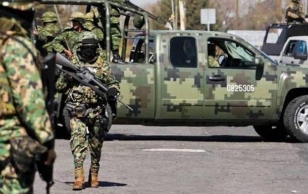В Мексике при нападении банды на военных погибли семь человек