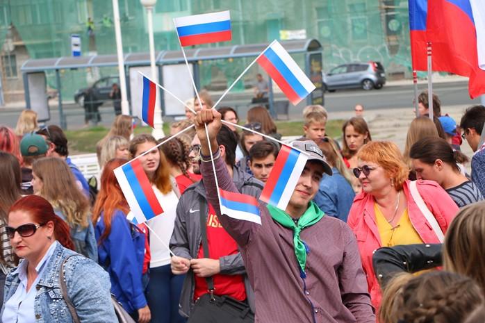 Гигантский флаг и патриотическая «ГАЗель»: в Омске отметят государственный праздник #Новости #Общество #Омск