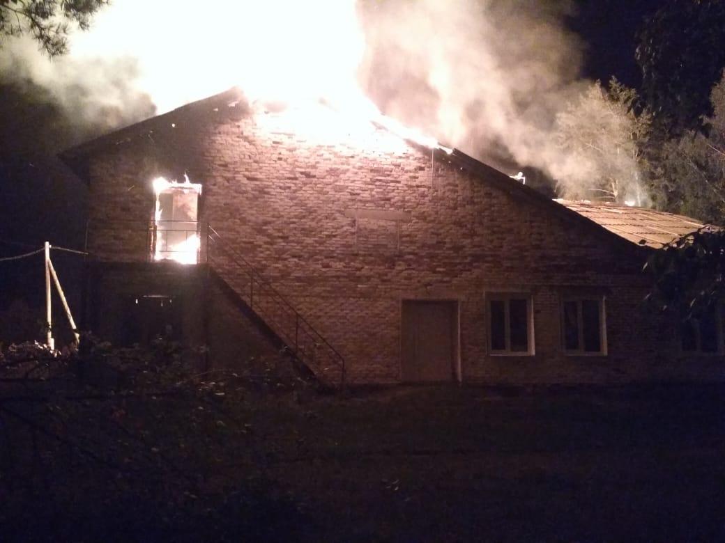 На севере Омской области ночью сгорел дворец культуры #Новости #Общество #Омск