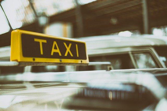Омичка уволилась из ресторана и два месяца ездила на такси за счет заведения #Новости #Общество #Омск