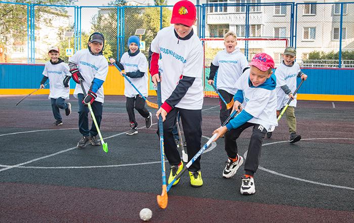 «В этом году Омский НПЗ модернизирует 24 спортивные и игровые площадки #Омск #Общество #Сегодня