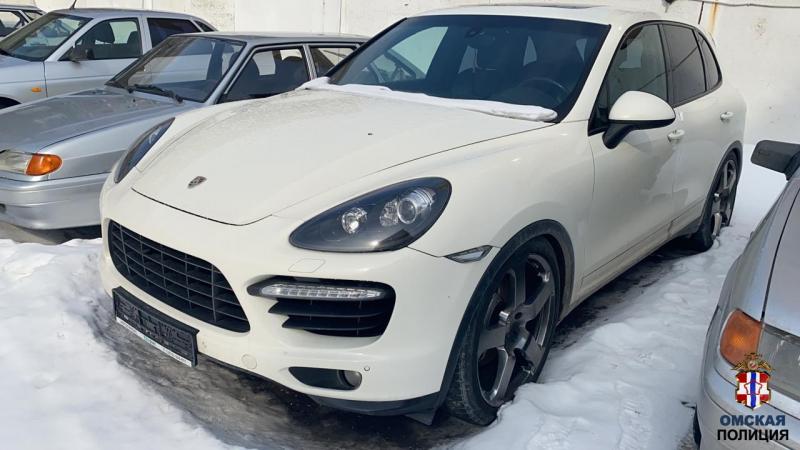 Житель Омской области потерял машину и деньги из-за чужого залога #Новости #Общество #Омск