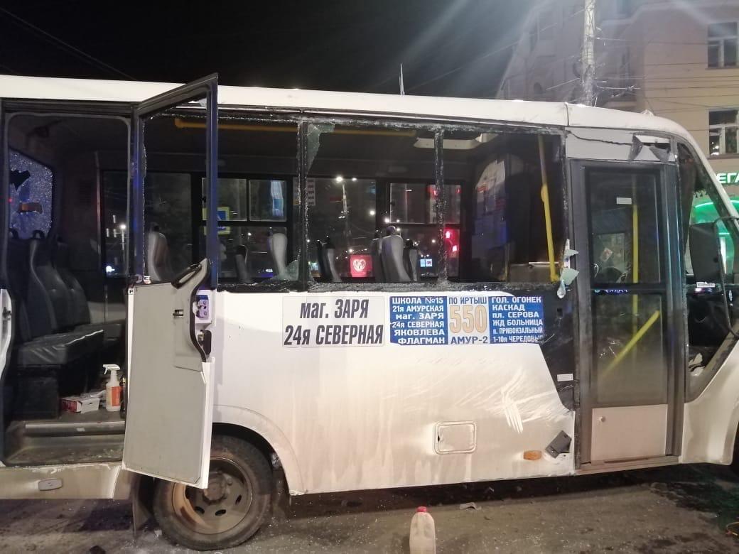 В Омске наказали водителя перевернувшейся маршрутки #Омск #Общество #Сегодня