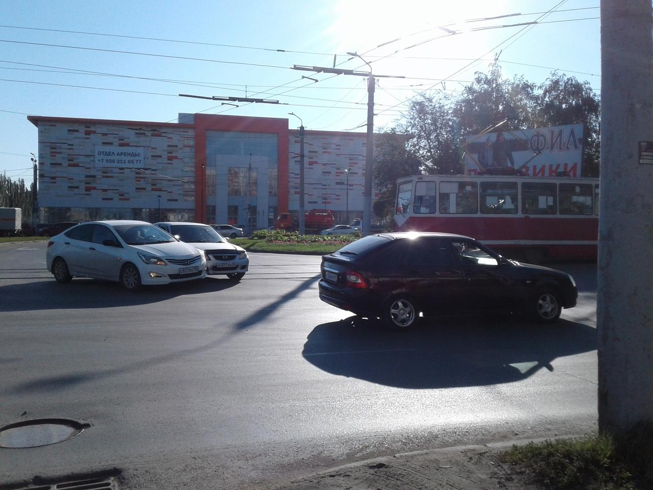 В Омске из-за мелкого ДТП встали трамваи #Омск #Общество #Сегодня
