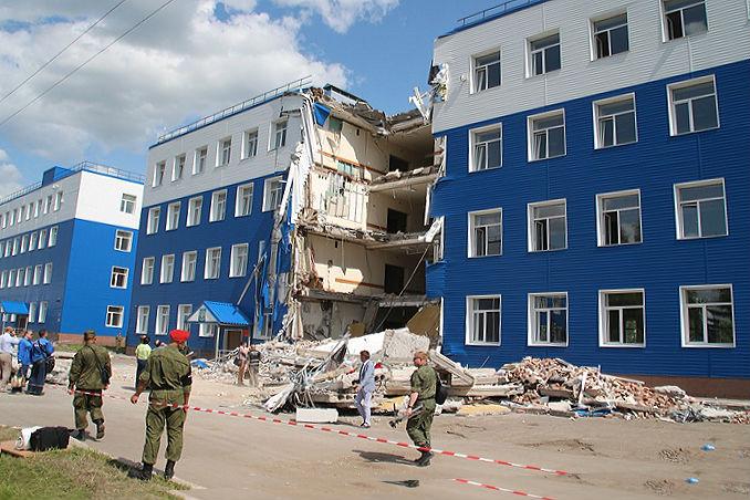 На месте рухнувшей казармы в Омске запретили вести любые работы #Новости #Общество #Омск