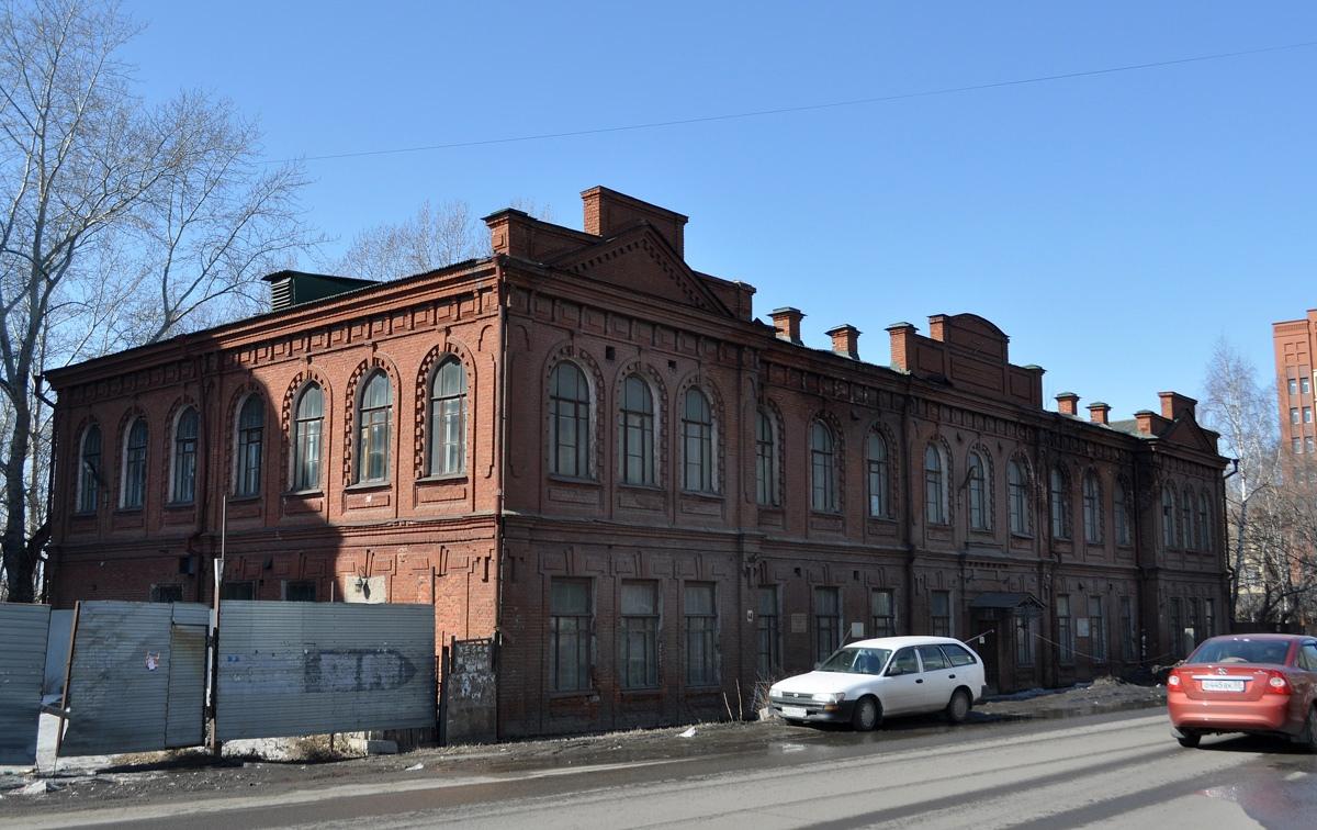 Из бывшего здания омского музея украли кованые перила #Омск #Общество #Сегодня