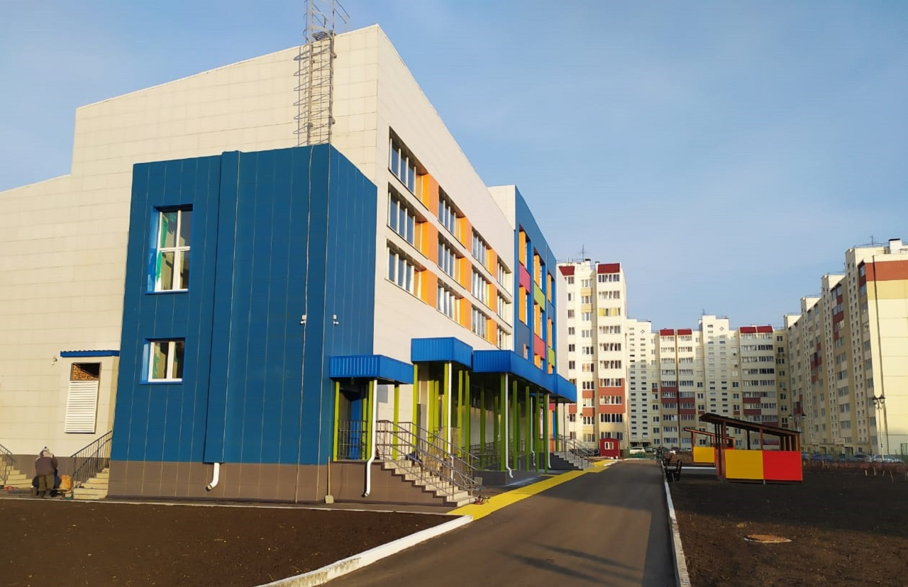 В новой омской школе родителей уже обложили поборами #Новости #Общество #Омск
