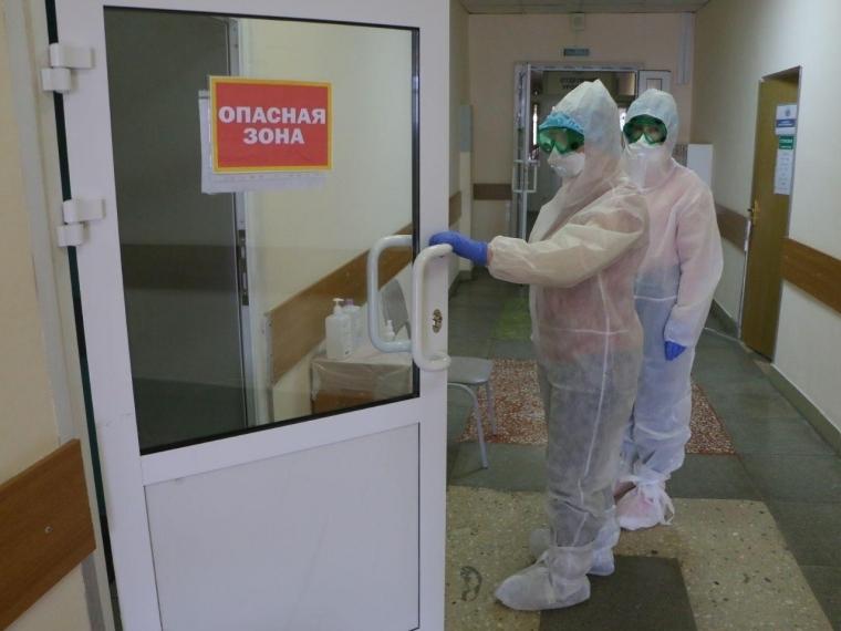 Только одна омская больница организовала избирательный участок в «красной зоне» #Омск #Общество #Сегодня