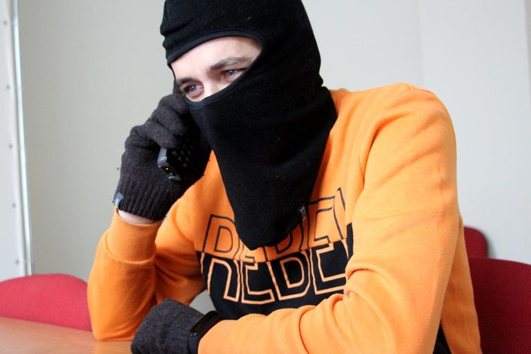 Мошенники завоевали доверие омича, использовав номер ФСБ #Омск #Общество #Сегодня