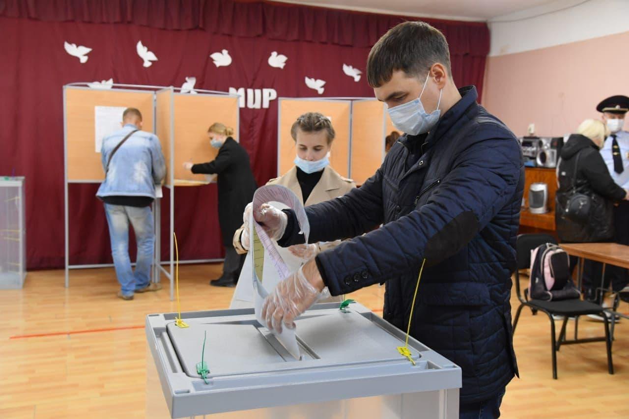 Школам могут дать неделю каникул для проведения выборов #Новости #Общество #Омск