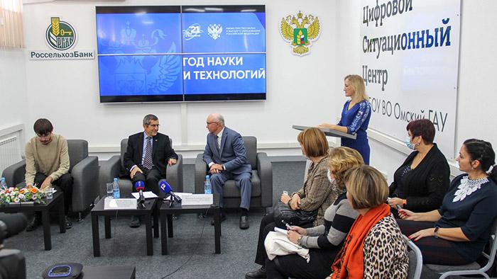 Турецкий ученый приехал в Омск создавать лабораторию мирового уровня