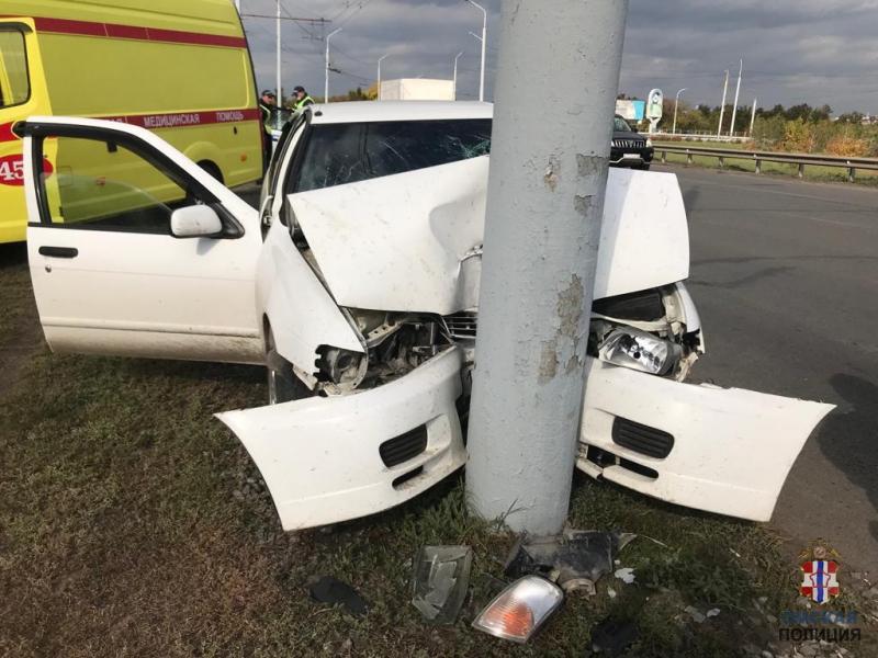 По вине омской автоледи, врезавшейся в столб, пострадали двое детей #Новости #Общество #Омск