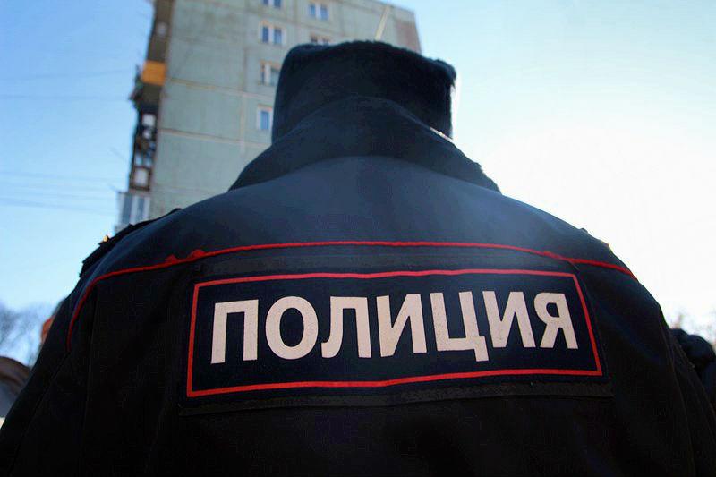 Омич-рецидивист забаррикадировался в квартире и угрожал взорвать дом #Новости #Общество #Омск