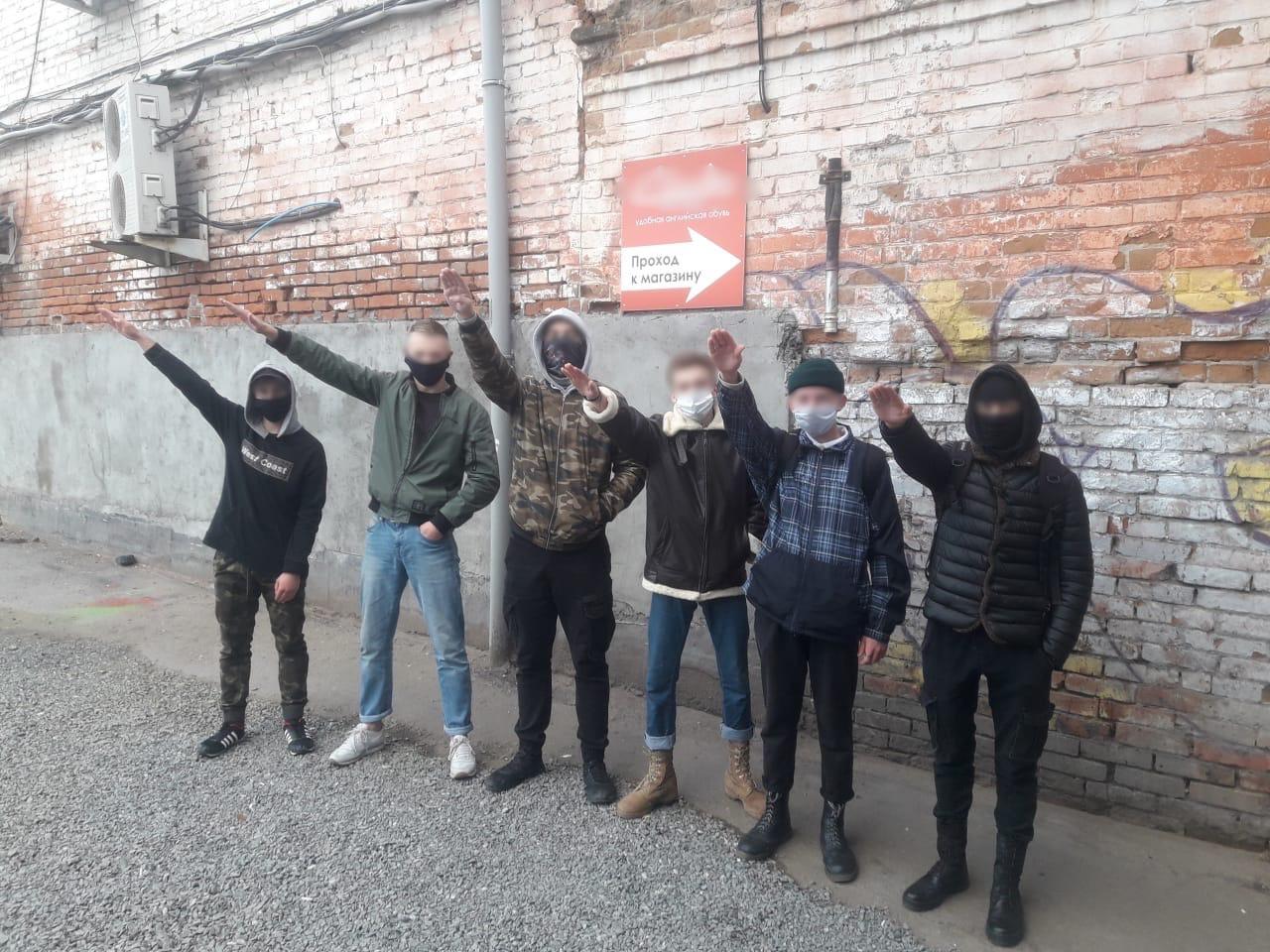 В Омске вынесли приговор банде студентов-неонацистов #Омск #Общество #Сегодня
