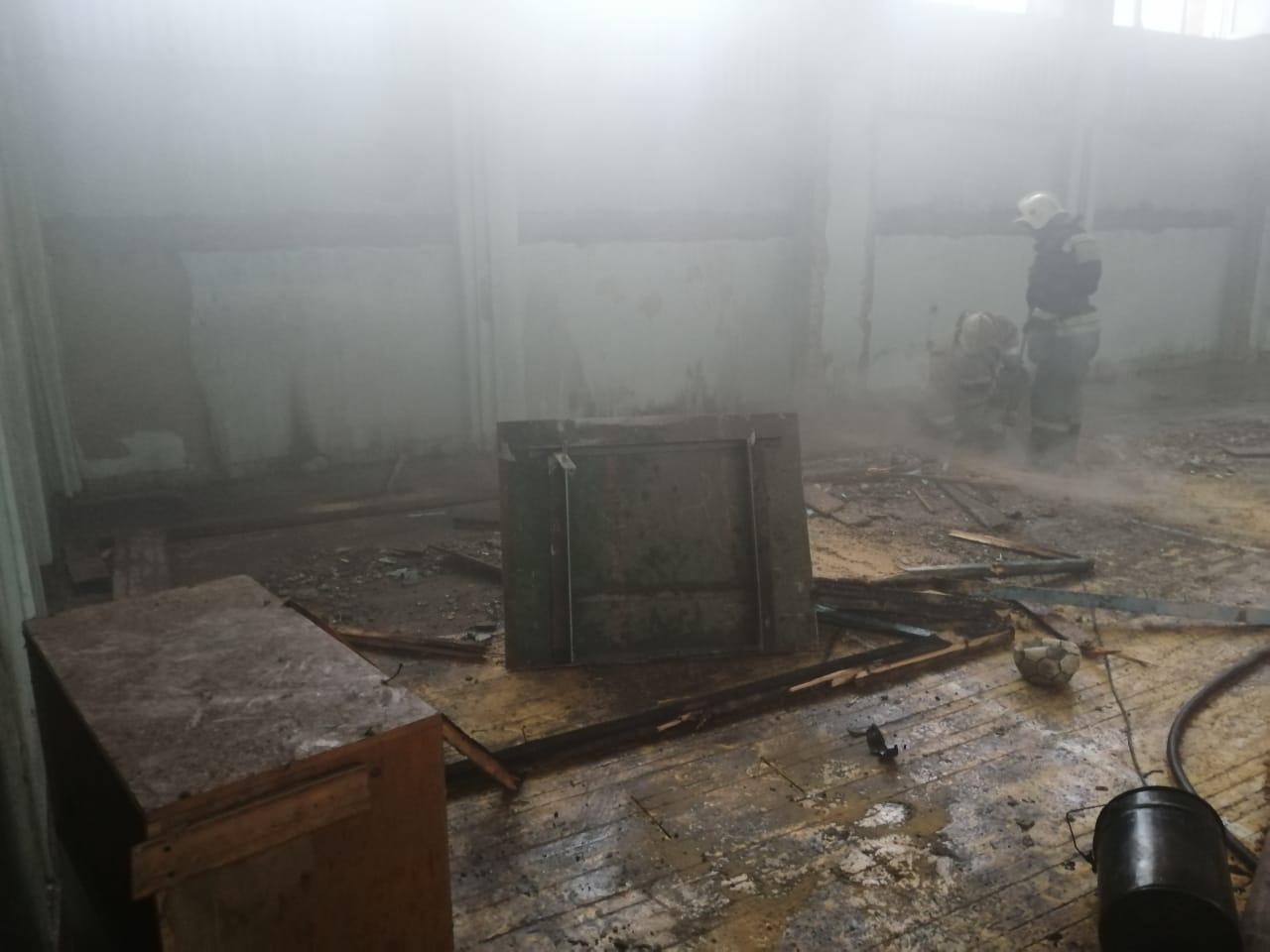 В омской мэрии пообещали восстановить горевшую гимназию № 75 до конца года #Омск #Общество #Сегодня