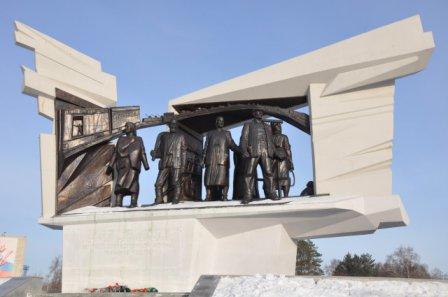 Памятник труженикам тыла (Омск)