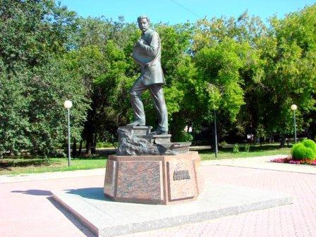Памятник Михаилу Врубелю (Омск)