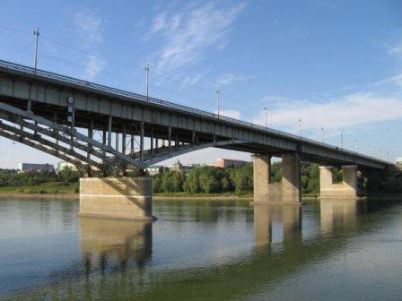 Автомобильный мост имени 60-летия ВЛКСМ (Омск)