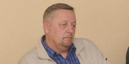 Депутата омского горсовета обвиняют в противозаконной деятельности.