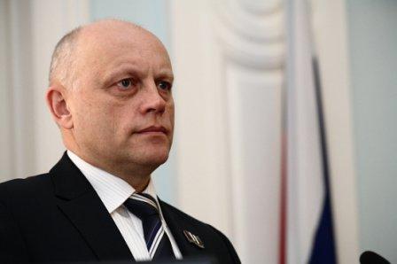 Жители Омской области обратились к своему губернатору с личными проблемами.