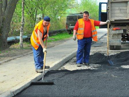 Для ремонта дорог в Омске выделят еще миллиард рублей.
