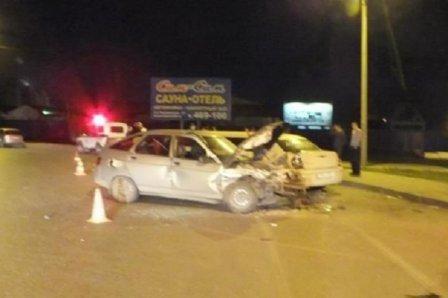 В Омске двух пешеходов отправили в больницу из-за любителя выпить за рулем.