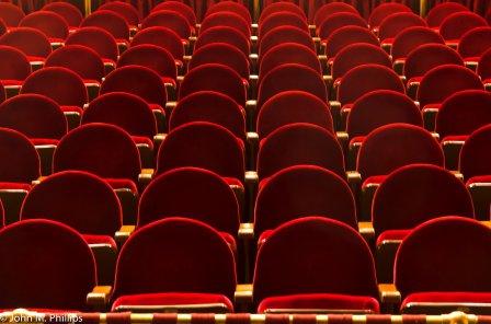 Зрители Называевска увидят представления актеров-любителей.