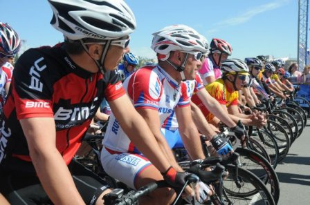 Особенности «ВелоОмска - 2015» наглядно продемонстрировали первые лица города.