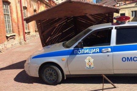 В центральном районе Омска снесли киоск.