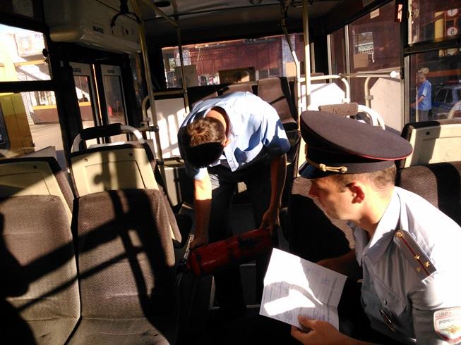 Сотрудники полиции выявили 24 неисправных транспортных средства в Омске.