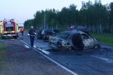 Авария на трассе Тюмень-Омск: погибли 2 человека.
