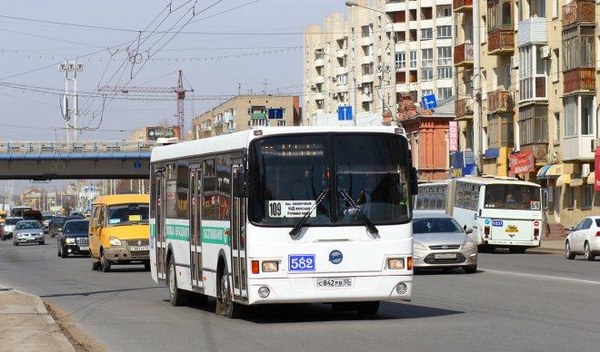 В Омске мальчик оказался в больнице после поездки на автобусе.