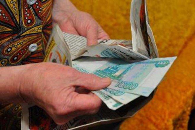 В Омске «женщина в белом» обокрала пенсионерку, под видом соцработника.