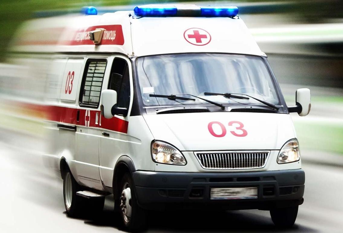Попытка самоубийства: В Омске мужчина прыгнул под самосвал