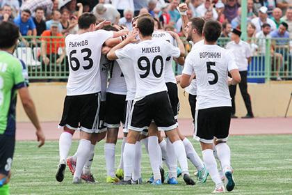 Команда Карпина одержала первую победу в ФНЛ