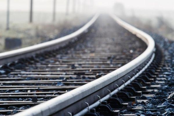 Омич уронил сына на железнодорожные рельсы