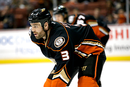 Защитника клуба НХЛ обвинили в браконьерстве