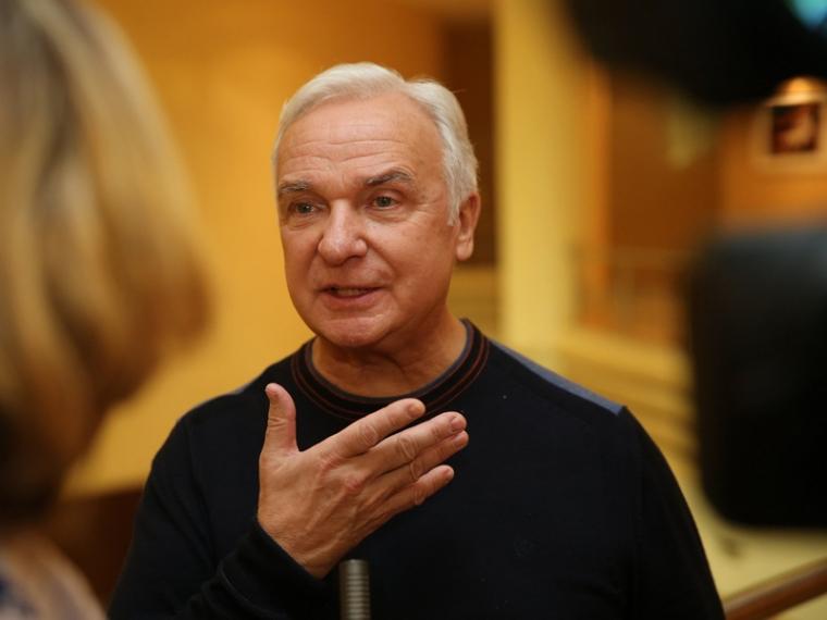 Президент российского танцевального союза встретился с омскими студентами