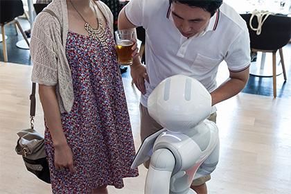 Покупателям робота Pepper запретили использовать его для сексуальных утех