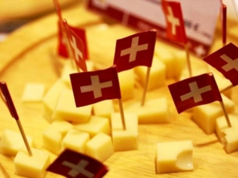 В омских магазинах вновь появятся сыры из Швейцарии