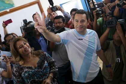 Комик победил на президентских выборах в Гватемале