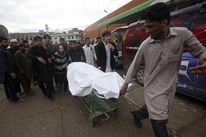 В Афганистане 12 школьниц погибли в давке после землетрясения