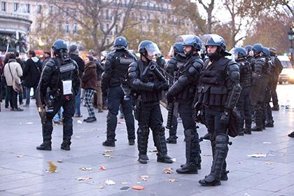 Во Франции задумались над изменением конституции для продления режима ЧП