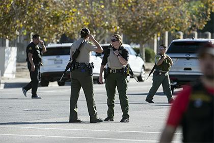 Семейная пара расстреляла вКалифорнии 14 человек, еще 17 ранены